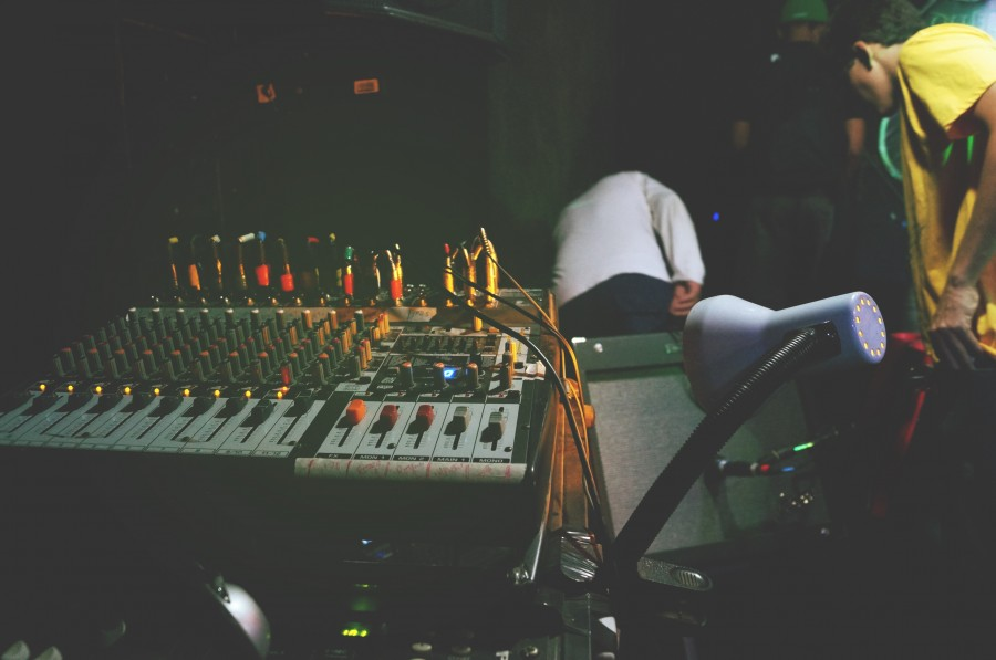 Si necesitas reparar tu equipo de música, ponte en contacto con Hifi Center