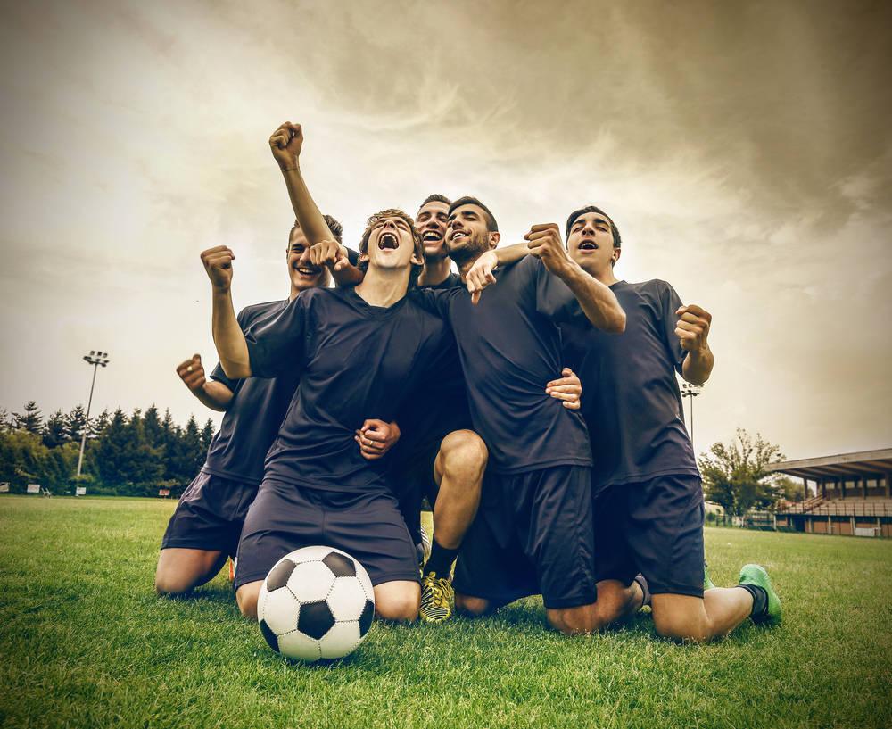 Fomenta el compañerismo con una liga deportiva en la empresa