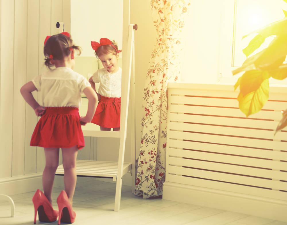 Cómo vestir a nuestros hijos si están invitados a un evento