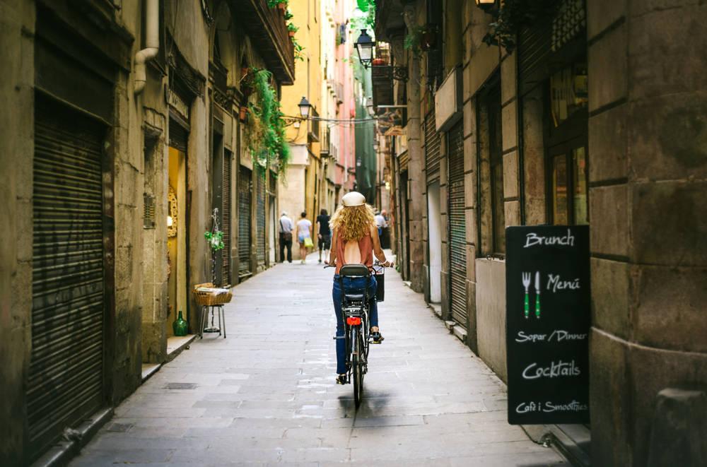 9 medios de transporte para hacer turismo por Barcelona