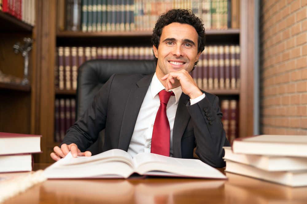 Cómo escoger a un buen abogado