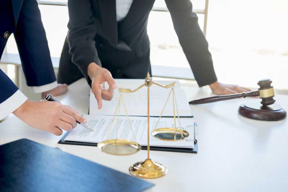 Lo que tiene que tener un servicio de abogados